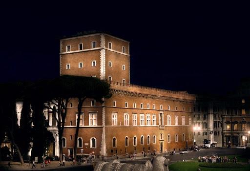 Palazzo Venezia illuminato